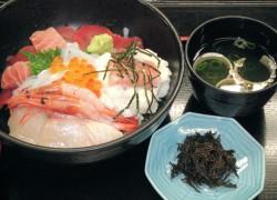 松井物産本店 特盛海鮮丼