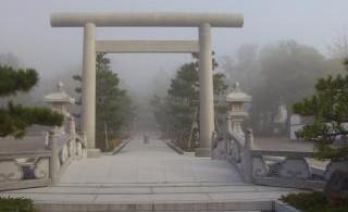「元伊勢籠神社」…お伊勢さまのふるさとで良縁祈願!伊勢神宮の神々がこの地からうつられたというお伊勢さまのふるさと。