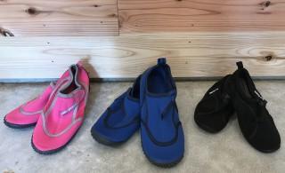 靴はマリンシューズは足首が固定できるサンダルをご用意ください。レンタルもございます!